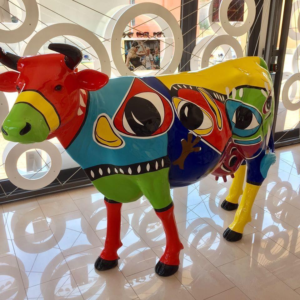 bunte Kuh  kunstharz gartenfiguren garten fantasy